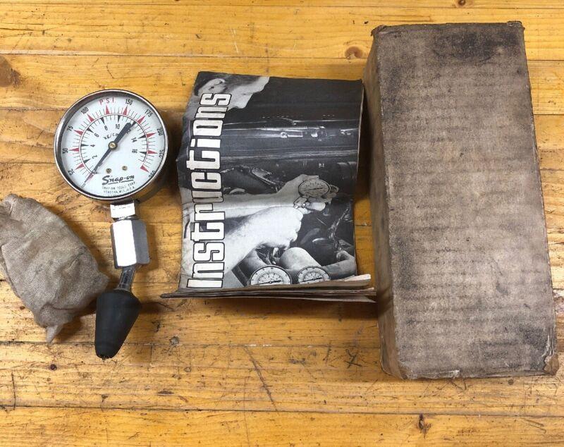 Snap-On Tools Vintage Cylinder Compression Tester Gauge 250 PSI (MT-27) w/ Box