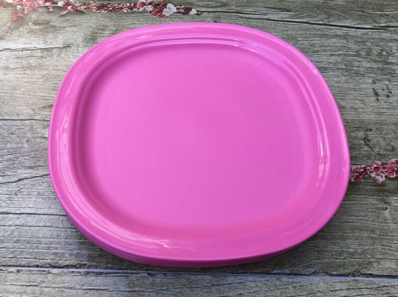 Tupperware Microwave Reheatable Luncheon Plates Set of 4 PINK New