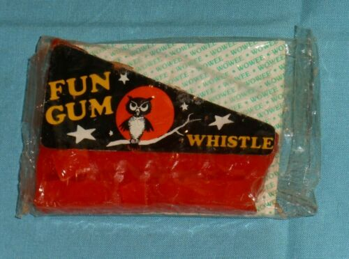 vintage Halloween WOWEE FUN GUM WHISTLE harmonica Glenn Confections owl sealed