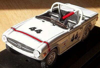 TRIUMPH TR6 1969 BOB TULLIUS RACING 1:43 MODEL TRIUMPH NEW CAR CRACKED CASE (Triumph Tr6 Racing)