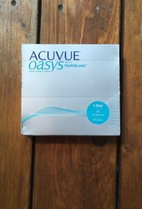 -2.75 Acuvue contact lenses (90 per box)