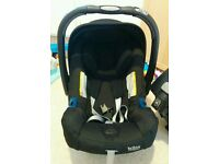 Britax Baby Safe PlusSHR II Infant Carrier Group 0+ (Max/Black) with ISOFIX Car Base included.