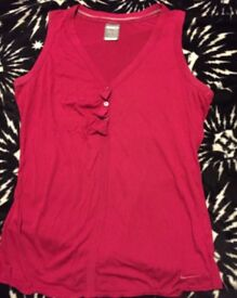Dark pink Nike size M 10 12 vest top New gym yoga or casual