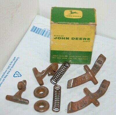 Vintage John Deere Ay 932 B Cutoff Knocker Parts - Nice Jd Advertising Box