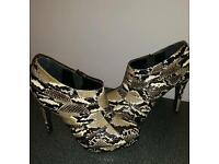 Womens New without box Shoes of prey print heels rrp £189
