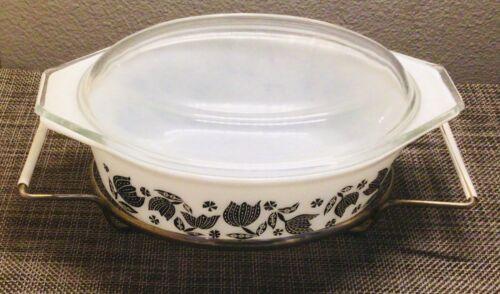 """Pyrex """"BLACK TULIP"""" 043 1 1/2 Qt Oval Casserole Dish, Lid, Cradle. Excellent!"""