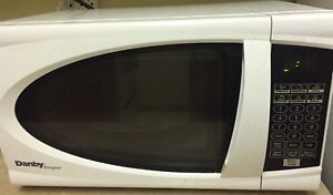 Danby 0.7 cu. ft Microwave (turntable not turning)