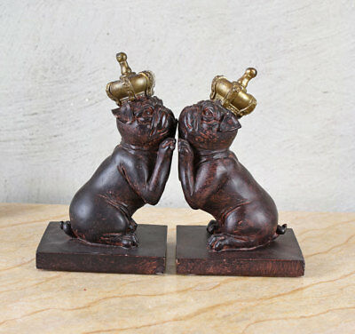Bull Buchstützen (Zwei Buchstützen Mopsfigur Hundefigur Buchständer Mops Hund Krone Bulldogge)