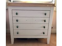 Baby Kids Nursery 4 drawer Dresser with change top good condition