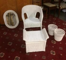 White wicker furniture set