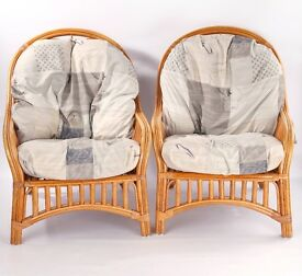 Pair of Wicker Lounge Chairs - Comfy!