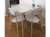 Dining room table and x4 chairs for sale