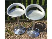 Gas lift stools