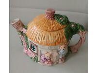Stylish decor Tea pot