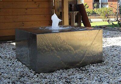 Wasserspiel Quader Würfel 60/60/30 cm Edelstahl matt gebürstet Springbrunnen