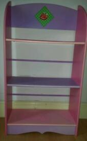 Free kids bookshelf