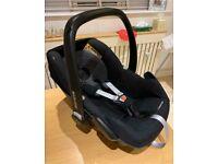 Maxi-Cosi Pebble car seat with Newborn insert black