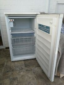 Freezer Under counter 55cm LEC good for a small kitchen SOLD