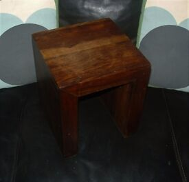 SMALL LOW SOLID WOOD SIDE TABLE CONSERVATORY PLANT ETC £ 10.00