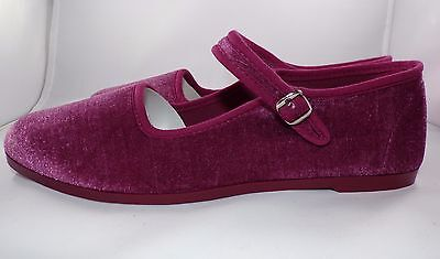 On Your Feet Women's 7.5 M Kung Fu Velvet Shoes Flats Mauve NEW IN BOX