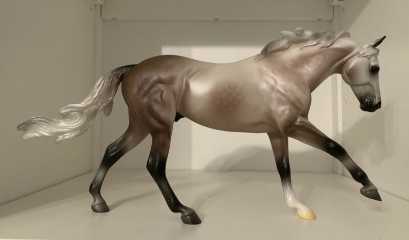 Breyer Collector Club Carter