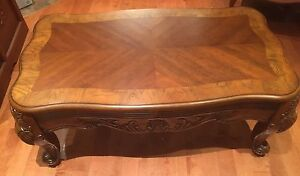 Solid wood, beautifully carved coffee table,and side table West Island Greater Montréal image 2