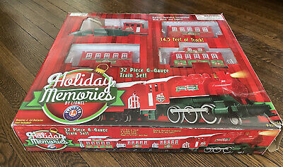 Lionel Holiday Memories Christmas G-Gauge Train Set 32 Pieces Music & Lights