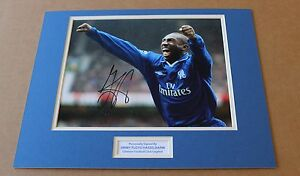 JIMMY-FLOYD-HASSELBAINK-IN-CHELSEA-SHIRT-HAND-SIGNED-PHOTO-MOUNT-COA