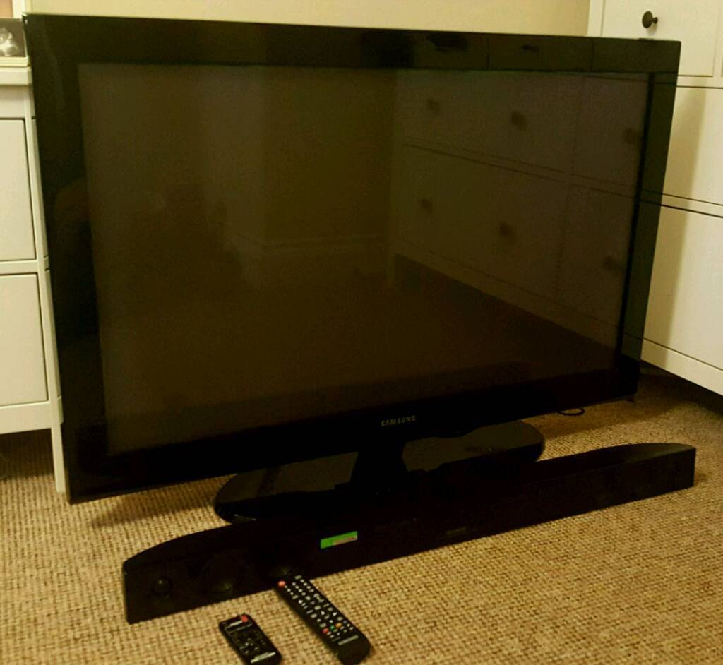 42 inch samsung plasma TV with sound bar.