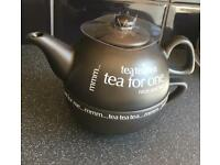 Rayware black teapot for one.Brand new never been used!unwanted gift!