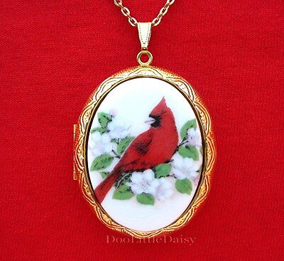 Porcelain CARDINAL & APPLE BLOSSOM CAMEO Costume Jewelry Locket Pendant Necklace