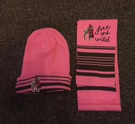 NEW pink girls hat & scarf age 3-6 Years