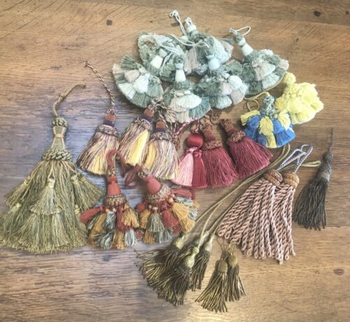 24 Pc Key Tassels French & American Passementarie - Some Antique Vintage P/U
