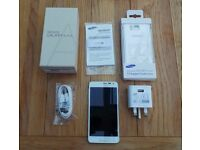 Samsung Galaxy Alpha SM-G850F 32GB White (Unlocked) BOXED excellent condition plus Extras