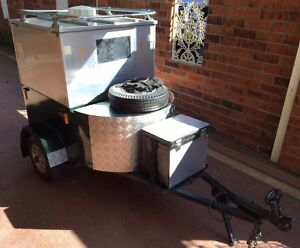 Small dog trailer Speers Point Lake Macquarie Area Preview