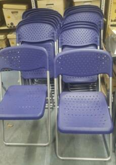 PLASTIC FOLDING CHAIRS - event seating dining outdoor fold