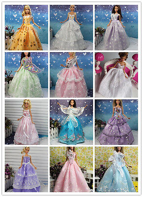 2014 NEW STYLE Wholesale 15 Items=5Pcs Fashion Dresses&10 Shoes For Barbie doll on Rummage