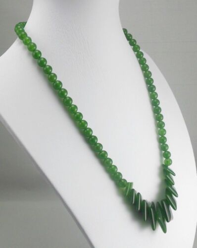 Exquisite Chinese 100% natural hand-carved jade necklace