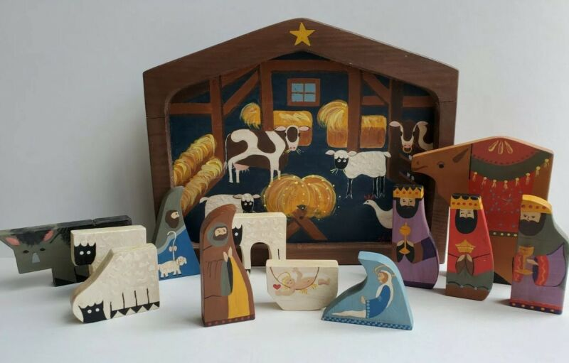 Wood Handpainted Nativity Set & Manger Puzzle Unique Vtg Christmas Decor 13 Pcs.