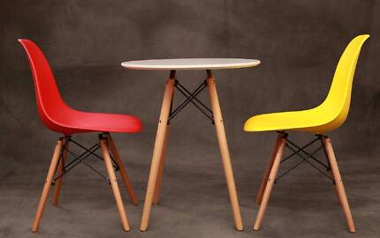Jean Table (small) & 02 Chairs (Free Delivery)