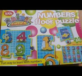 Brand new sealed FLOOR number puzzle