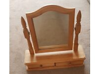 Pine dressing table mirror with 2 drawers