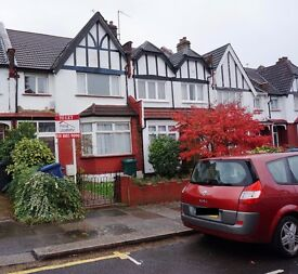 Three bedroom house to let, East Finchley, N2 - £430.00 per week