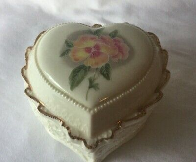 """Porcelain Heart Jewelry Music Box Celebration Of Love """"Oh What A Beautiful Morn"""""""
