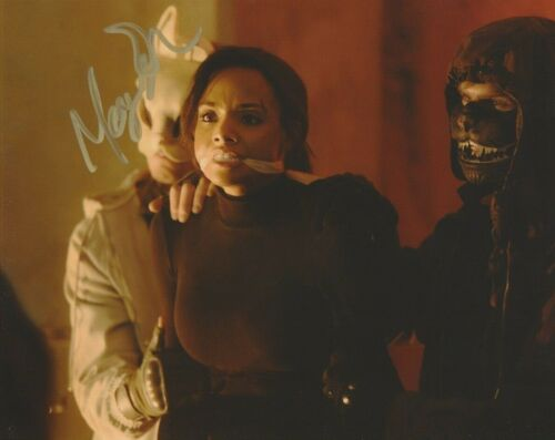 Meagan Tandy Batwoman Autographed Signed 8x10 Photo COA 2019-9