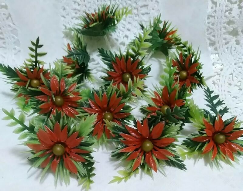 12 Vintage Plastic Poinsettia Cupcake Picks Greenery Decorations Crafts NOS🎄