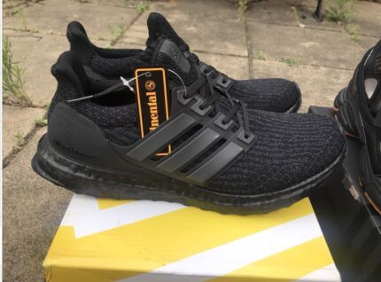 Unauthentic Adidas Ultraboost size US9.5
