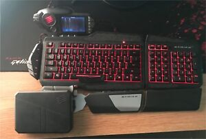 Mad Catz S.T.R.I.K.E 7 Great condition, comes with everything.