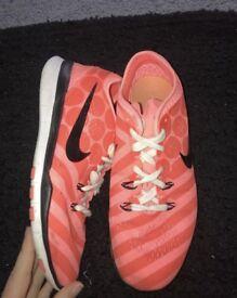 Nike free run 5.0 size 5.5 pink