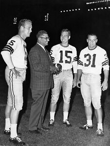 VINCE-LOMBARDI-PAUL-HOURNING-BART-STARR-BEDNERIK-GREEN-BAY-PACKERS-8-x10